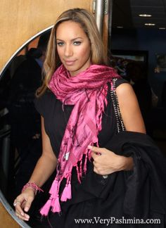 #LeonaLewis In #MagentaScarf