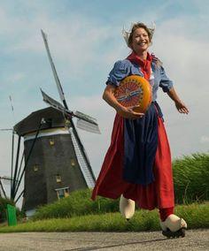 SKATE~♥ roller skating in Holland Dutch People, Foto Portrait, Going Dutch, Happy Images, Holland Netherlands, The Hague, Parcs, Le Moulin, Roller Skating