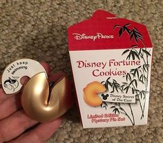 Disney Pin Fortune Cookies Mystery Pin Finding Nemo Dory Limited Edition 600