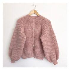 Knitwear Fashion, Knit Fashion, Sweater Fashion, Winter Sweaters, Sweater Weather, Foto Casual, Fashion Capsule, Sweater Knitting Patterns, Cardigans For Women