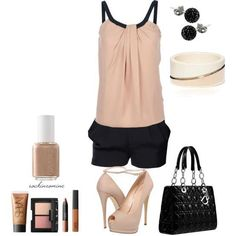 elegant shorts and tee outfit idea with accessories