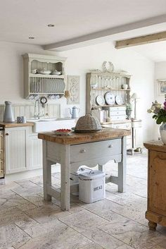 Rustic French Country Cottage Kitchen 58 Beautiful Shabby Chic Kitchen Ideas To Try For Your Kitchen Rustic French Country, Country Kitchen Farmhouse, Country Kitchen Designs, French Country Kitchens, French Country Decorating, Kitchen Rustic, Kitchen Modern, Rustic Style, Rustic Modern