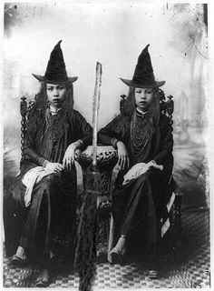5 pc Collection of Vintage Witch Photos