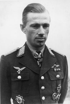 """Major Helmut Lent. Oberst Helmut Lent (13 June 1918 – 7 October 1944) was a German night-fighter ace in World War II. Lent shot down 110 aircraft, 103 of them at night, far more than the minimum of five enemy aircraft required for the title of """"ace""""."""