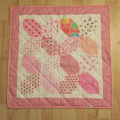 Hugs and Kisses preemie quilt | Frühchenquilt