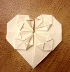 The Mrs Makes - origami heart, DIY, tutorial