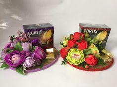 Gallery.ru / Фото #69 - Оформление чая,спиртного,коробок конфет... - L-U-N-A Paper Flowers Craft, Flower Crafts, Diy Flowers, Flower Box Gift, Flower Boxes, New Year's Crafts, Diy And Crafts, Crochet Bouquet, Creation Crafts