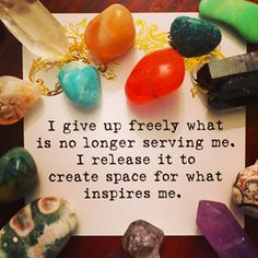 Healing crystals, crystals are a powerful tool to help you keep your new year resolutions this year. Choose the best healing crystals for your resolutions.