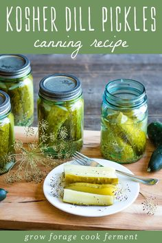 These kosher dill pickles are so delicious and a perfect canning recipe for beginners. Can your own homemade dill pickles with garden fresh ingredients! Kosher Dill Pickles, Canning Pickles, Dill Pickle Brine Recipe For Canning, Pickles Recipe, Easy Canning, Canning Recipes, Canning Labels, Homemade Pickles, Thing 1