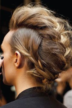 For the girls with messy hair and thirsty hearts, here are 7 ways to rock your messy tresses: http://lcknyc.com/1hTKjFd