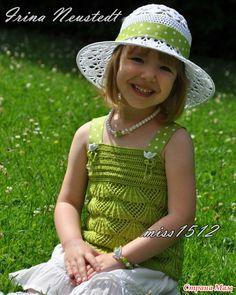 3 летних комплекта спицами и крючком: топики, шляпка, панамка и сумочка для моей маленькой модницы. Мой дизайн! Дополнила схемы