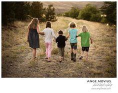 Outdoor family portraits Lewiston, ID Clarkston, WA www.amportraits.com #familyphotography #familyportraits
