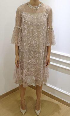 Dress Brokat Modern, Kebaya Modern Dress, Kebaya Dress, Dress Pesta, Model Dress Batik, Batik Dress, Elegant Dresses, Pretty Dresses, Formal Dresses
