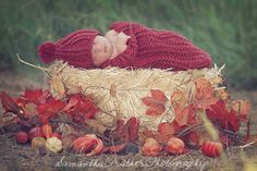 I like this fall baby photo set up. Getting ideas!
