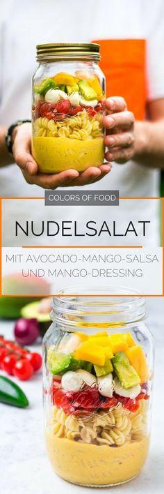 Hier findest du das Rezept für einen tollen, mexikanisch inspirierten sommerlichen Nudelsalat im Glas. Ideal für unterwegs oder für die nächste Sommerparty!