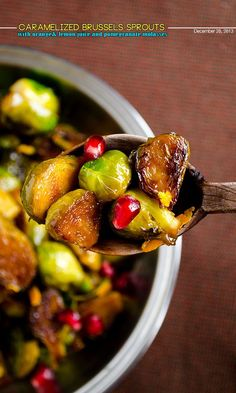 Citrus caramelized brussels sprouts with pomegranate molasses | http://giverecipe.com | #brusselssprouts #pomegranate #citrus