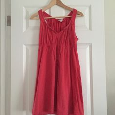 Poppy Sundress ❤️ Nantucket Red/poppy colored sundress that can easily be dressed up or down! Wear it with a blazer and heels for dinner out, or wear it with sandals in the warmer months! Very cute, and in good condition! Forever 21 Dresses