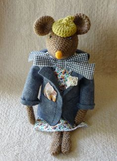Autumn Field Mouse by Sweetnellie on Etsy