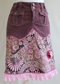 Up-cycled Flowery Stretch Corduroy Skirt With Ruffle Trim, Brown, Mauve and Pink, SMALL/MEDIUM Gepind door: www. Diy Clothing, Sewing Clothes, Jeans Refashion, Denim Ideas, Altered Couture, Corduroy Skirt, Mode Style, Diy Fashion, Upcycle