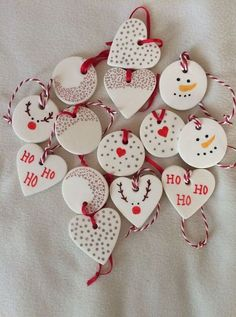 The post Baking soda clay decorations. appeared first on Salzteig Rezepte. The post Baking soda clay decorations. 2019 appeared first on Clay ideas. Snowman Christmas Ornaments, Homemade Christmas Decorations, Christmas Clay, Clay Ornaments, Kids Christmas, Handmade Christmas, Holiday Crafts, Victorian Christmas, Holiday Decorations