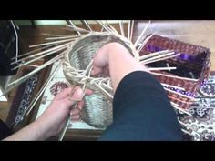 točená uzavírka na 2OR první verze - YouTube Recyle, Newspaper Basket, Paper Weaving, Art N Craft, Old Paper, Basket Weaving, Tapestry, Quilling, Youtube