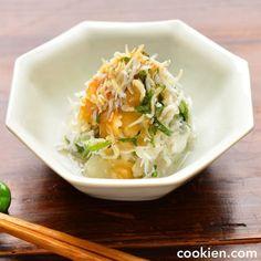 野菜メインの人気レシピ50選!子供のお箸もすすむ栄養たっぷりヘルシー料理♪   folk Japanese Food, Cabbage, Food And Drink, Soup, Vegetables, Cooking, Ethnic Recipes, Foods, Cucina