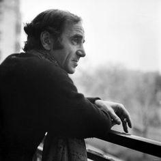 Le succès n'est que l'expression d'une vaste hallucination collective.  Charles Aznavour