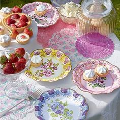 Set of Chintz Paper Plates and Doilies
