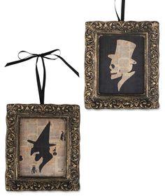 Halloween Portraits at TheHolidayBarn.com