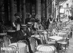 Guerre 1914-1918. Serveuses de café. Paris.