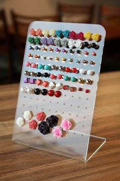 Have you ever seen these displays in a shop and wish your ear stud collection was so organised?  I spent US $3,69 on it, including shipping from Hong Kong! http://cgi.ebay.nl/ws/eBayISAPI.dll?ViewItem&item=170668659768&ssPageName=ADME:L:OC:NL:1123
