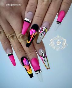 Want some ideas for wedding nail polish designs? This article is a collection of our favorite nail polish designs for your special day. Glam Nails, Hot Nails, Bling Nails, Stiletto Nails, Pointed Nails, Nail Swag, Jolie Nail Art, Nagel Bling, Wedding Nail Polish