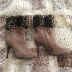 Nina NY tan suede boots Nina NY tan suede boots with leopard fur. Excellent condition worn twice. 4inch heel Nina New York Shoes