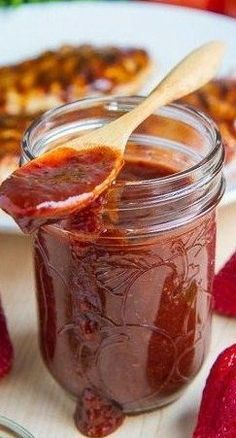 Roasted Strawberry BBQ Sauce Recipe : A sweet, spicy and smoky strawberry BBQ sauce. Strawberry Bbq Sauce Recipe, Strawberry Recipes, Strawberry Balsamic, Chutney, Do It Yourself Food, Roasted Strawberries, Homemade Sauce, Canning Recipes, Smoker Recipes