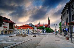 Bialystok main square at dawn Places To See, Places Ive Been, Poland Country, Poland History, The Beautiful Country, World Cities, Central Europe, What A Wonderful World, National Parks