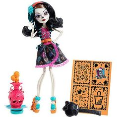 Monster High Art Class Skelita Calaveras from Mattel Monster High Toys, Monster High Custom, Skelita Calavera, Personajes Monster High, Homemade Face Paints, Mattel Dolls, Doll Toys, Barbie Doll, Clay Charms