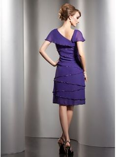 A-Line/Princess V-neck Knee-Length Chiffon Mother of the Bride Dress With Beading Sequins (008006104) - JJsHouse