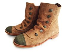 Retro reproduction style Leather boots, handmade in Argentina.    * Leather upper  * Leather insole  * Leather sole  * Jean buttons  * 1 inch heel  * Super comfy    Made as
