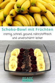 Diese Schoko-Bowl mit Früchten ist das perfekte Frühstück. Sie ist im Handumdrehen zubereitet, macht lange satt ohne zu stopfen und steckt voller wichtiger Nährstoffe. Kalorienarm und sogar vegan ist diese leckere Bowl für alle, die gerne abnehmen möchten und wert auf eine gesunde und ausgewogene Ernährung legen optimal.  #Schokolade #Smoothie #Bowl #Kokosmilch #Banane #Kirschen #Kakonibbs #einfach #schnell #kalorienarm #abnehmen #abnehmentrotzLipödem #Lipödem #gesundeErnährung Banana, Fruit, Desserts, Food, Recipes, Healthy Recipes, Eat Lunch, Food Dinners, Kaffee