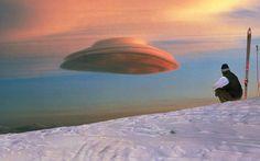 'Lenticular clouds' veya 'dağ dalgası bulutu' adını da alan bu bulutlara 'mercek bulutları' denir. Bu bulutlar, genellikle kısa bir süre içinde havada bir değişiklik olmayacağını, havanın güneşli geçeceğini gösterir. Belli bir mesafeden bakıldığında 'uzay gemileri'ne benzetilebilir. Bu bulutları oluştuğunda, çok fazla sayıda UFO gördüğünü sananlara şaşmamak gerekir.