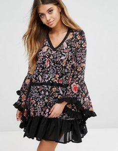 Boohoo Floral Dress With Fluted Sleeves And Ruffle Hem