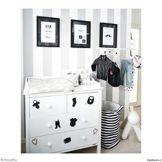 brio,hoitopöytä,hoitopiste,lastenhuone,lastenhuoneen sisustus,naulakko,färg&form,puppy,vaaleat sävyt,vaalea sisustus,sisustustaulut,sisustus,sisustustaulu