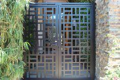 CONTEMPORARY METAL GATE ON SALE DECORATIVE ORNAMENTAL CUSTOM IRON GARDEN ENTRY