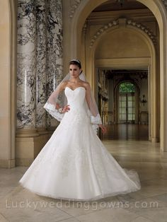Strapless Lace and Tulle Wedding Gown with Sweetheart Neckline