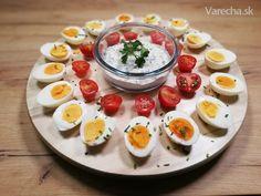 Vajíčka s bylinkovou omáčkou (videorecept) - Recept Panna Cotta, Ethnic Recipes, Treats, Food, Sweet Like Candy, Dulce De Leche, Goodies, Essen, Meals