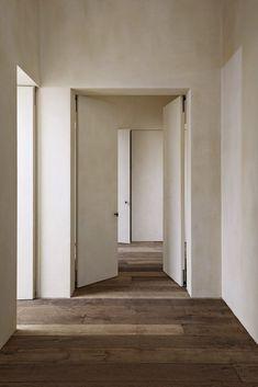 Top Interior Designers   Vincent Van Duysen #interieurdesign #wohndesign #дизайнеринтерьеров #interiordesign #interiordesignideas #interieurdesign #furniture #luxury #design #trends #piedaterre #architecture #inspiration