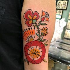Tattoo Henna, Tattoo You, Love Tattoos, Beautiful Tattoos, Body Art Tattoos, New Tattoos, Tattoos For Women, Big Tattoo, Folk Art Flowers