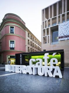 ♂ Commercial design Coffee and Literature Stand / Clavel Arquitectos Wayfinding Signage, Signage Design, Cafe Design, Cafe Signage, Outdoor Signage, Outdoor Cafe, Banner Design, House Design, Design Stand