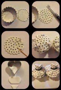 little dress cupcakes