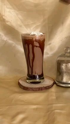 Coffee Drink Recipes, Summer Drink Recipes, Starbucks Recipes, Kitkat Shake, All You Need Is, Chocolate Dishes, Tastemade Recipes, Tasty Vegetarian Recipes, Indian Dessert Recipes